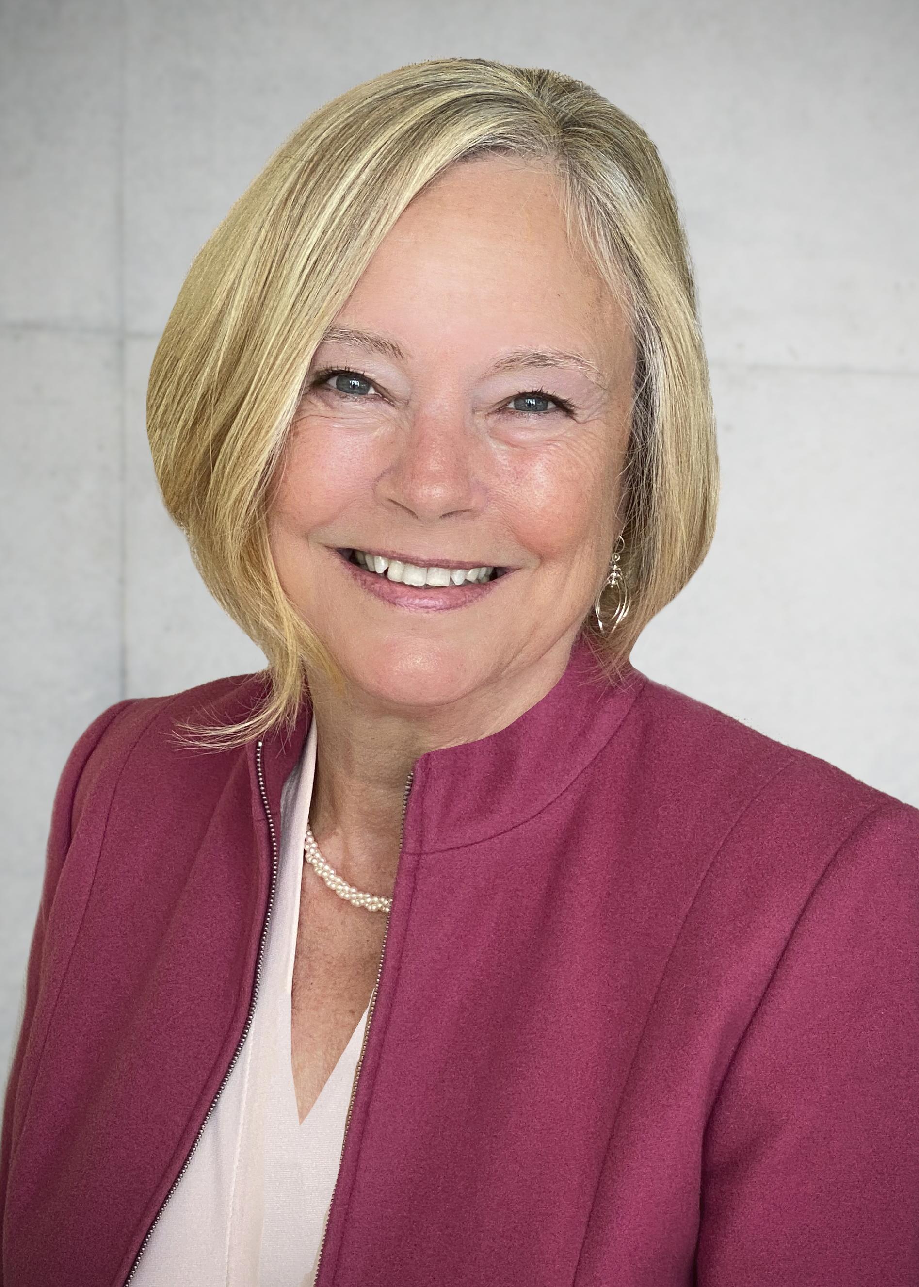 Margaret Langsett_Professional Headshot